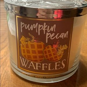 1 pumpkin pecan waffle